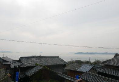 오기지마(男木島)―오르막길을 오르다 보면 고향의 향수를 불러일으키는 풍경이 펼쳐진다.