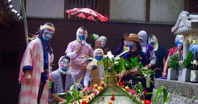 The Abare-mikoshi festival of Tsukahara Inari shrine – a crazy matsuri inherited from the Edo period
