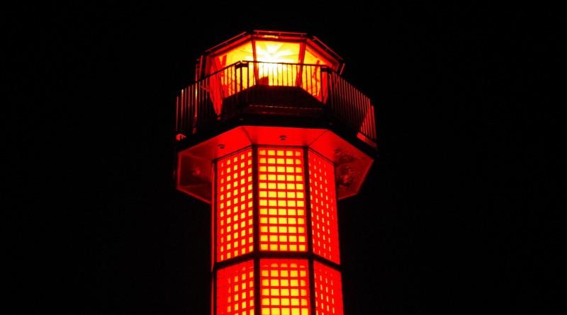 赤灯台 - 高松市サンポート - 高松的景点