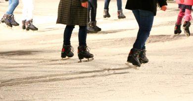 春秋季的特别玩法 在高松滑冰