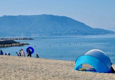 在夏天的濑户内海奔驰  津田松原海水浴场