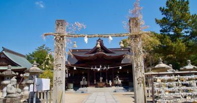 充满神话色彩的白鸟神社