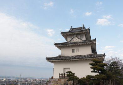 四国地区历史最悠久的木结构天守阁–丸龟城