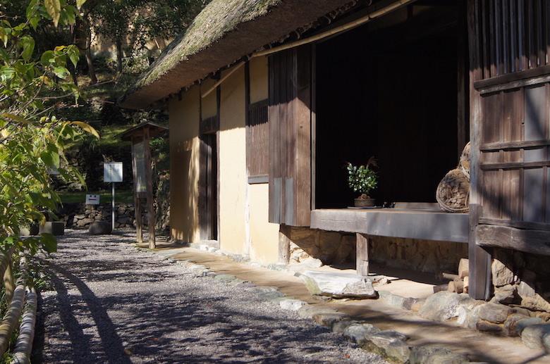 shikokumura_building